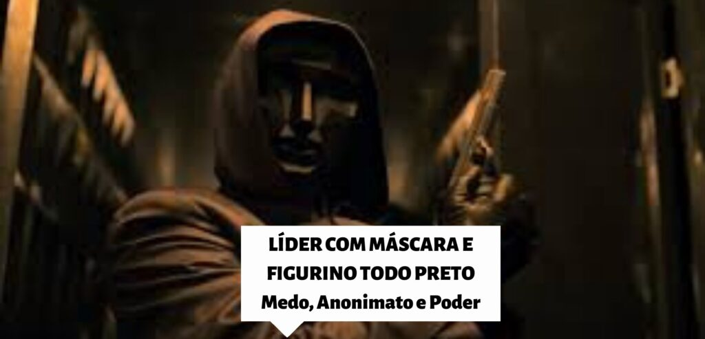 Imagem do líder, de Round seis. Ele usa roupa com capuz, luvas e máscara pretos. Nas mãos, ele segura uma arma.